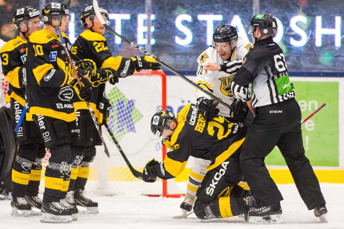 Niklas Pavel fick matchstraff