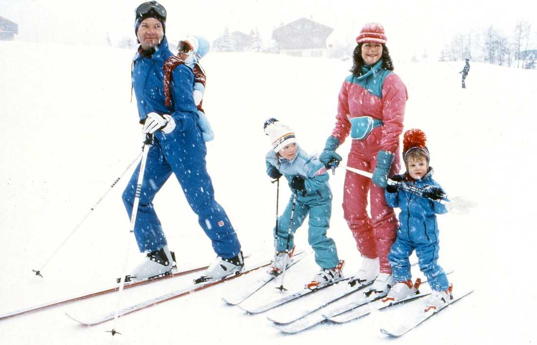 Kungafamiljen åker skidor på 80-talet. Iskallt då också.