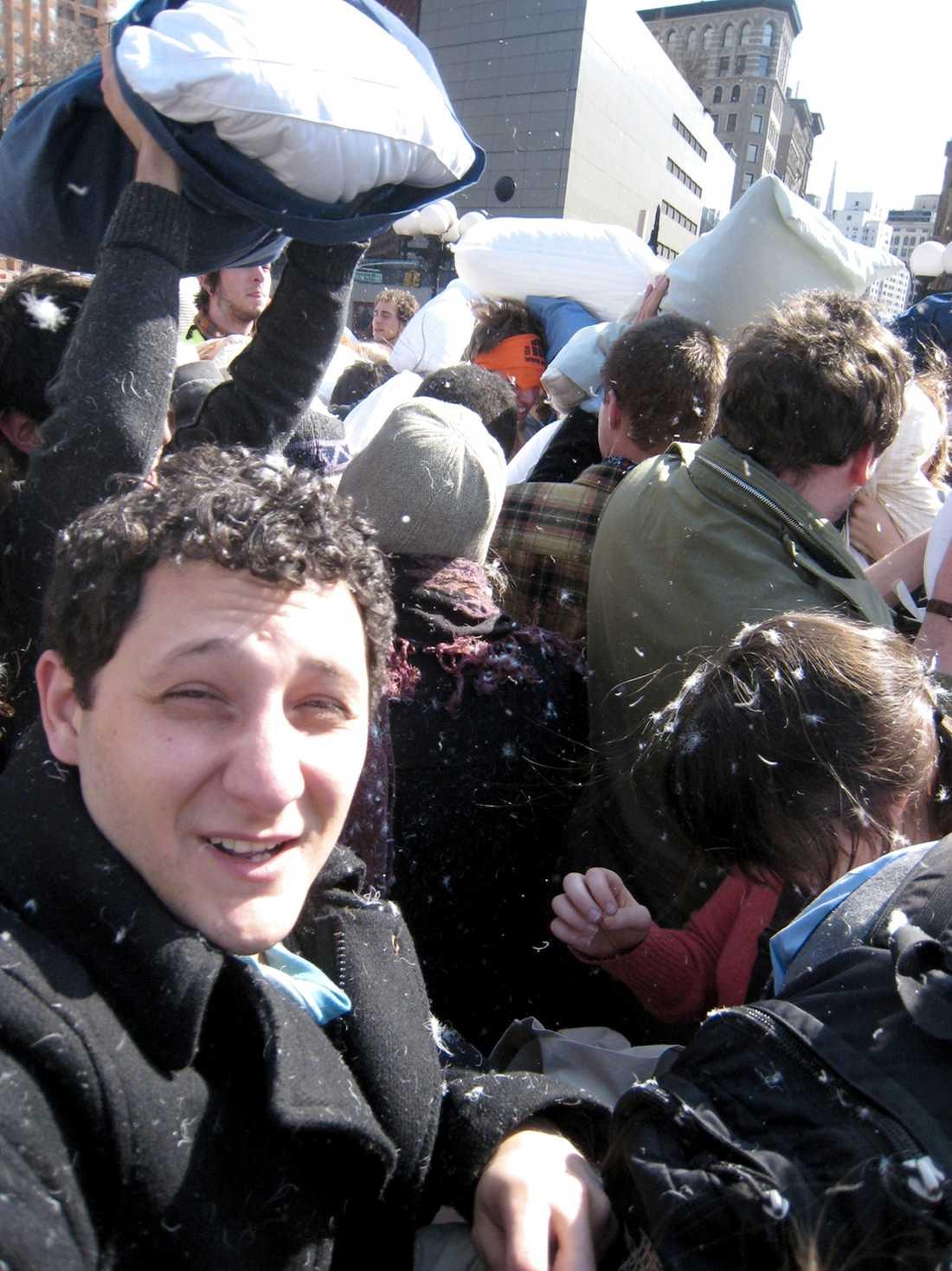 New York-bon Joe tar med RESAs reporter på kuddkrig på Wall Street.