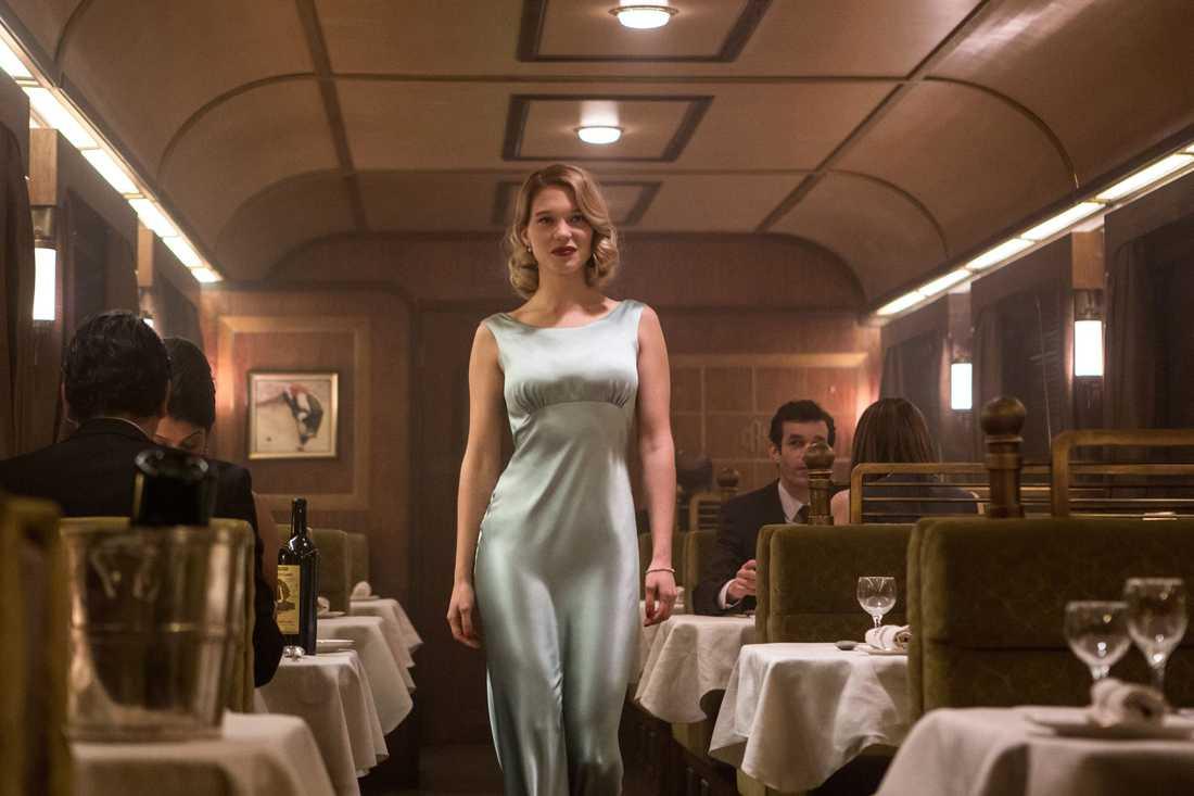 white swann  Léa Seydoux spelar Madeleine Swann, dotter till den mystiske Mr White.