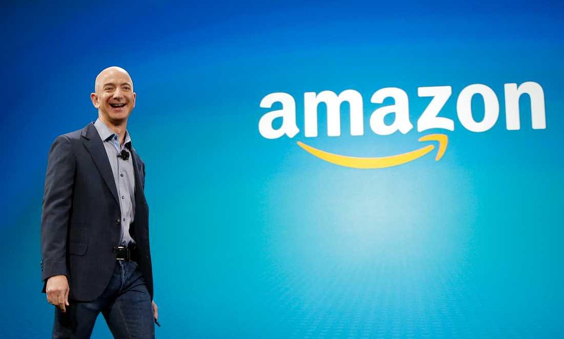 Jeff Bezos var framgångsrik på Wall Street när han såg möjligheterna med handel på nätet. Nu är han världens rikaste person.
