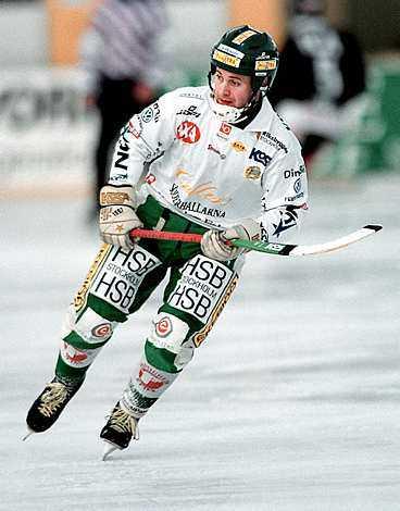 Jonas claesson - 771 mål totalt.