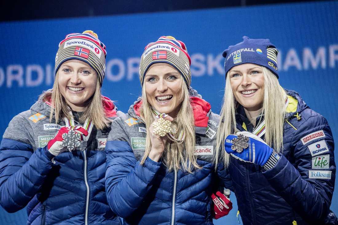 Ingvild Flugstad Östberg, Therese Johaug och Frida Karlsson.