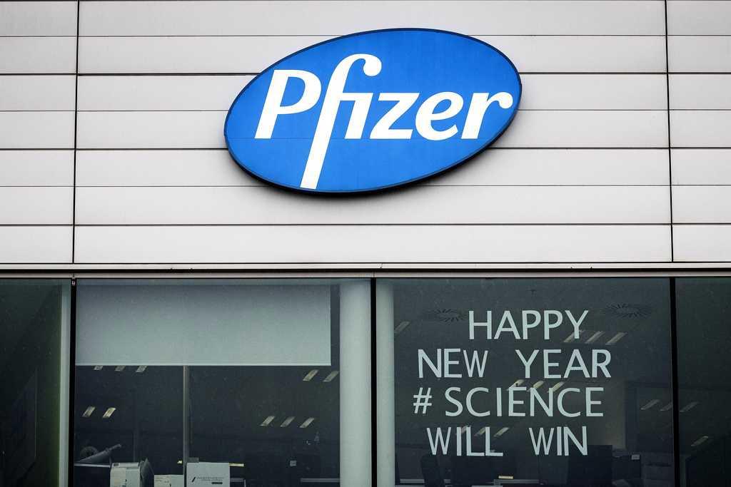 Bild från Pfizer i Belgien. Nu är vaccin mot det nya coronaviruset äntligen på väg.