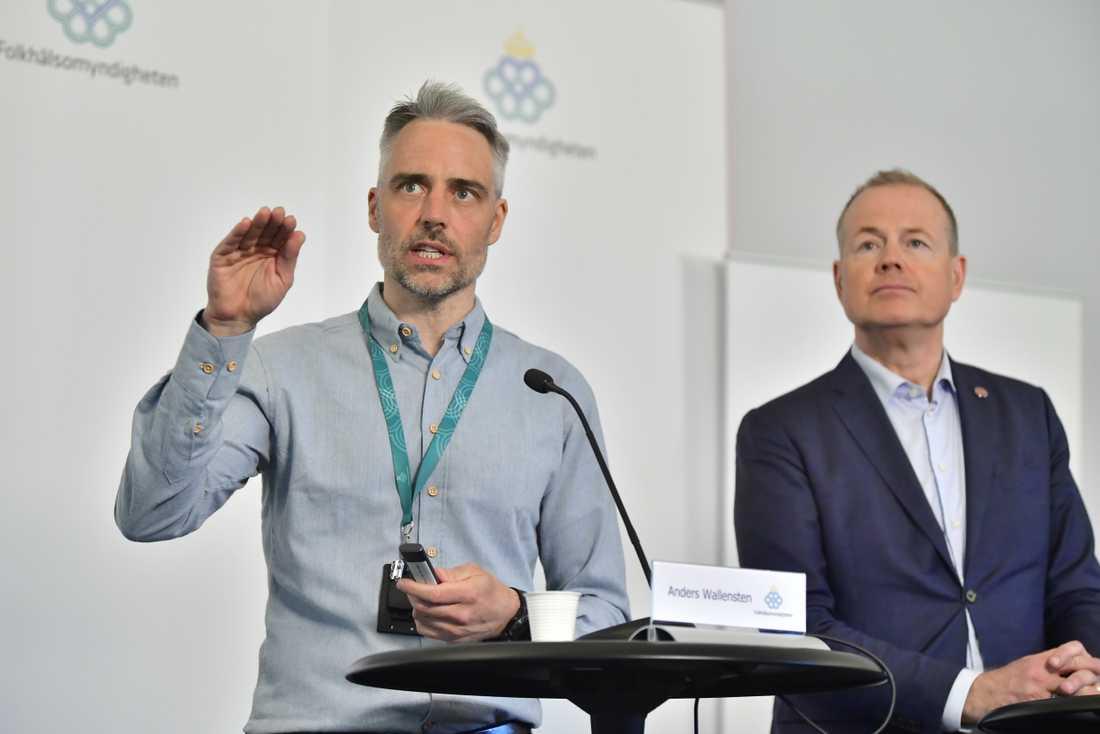 Anders Wallensten, biträdande statsepidemiolog på Folkhälsomyndigheten och Morgan Olofsson, kommunikationsdirektör på Myndigheten för samhällsskydd och beredskap.