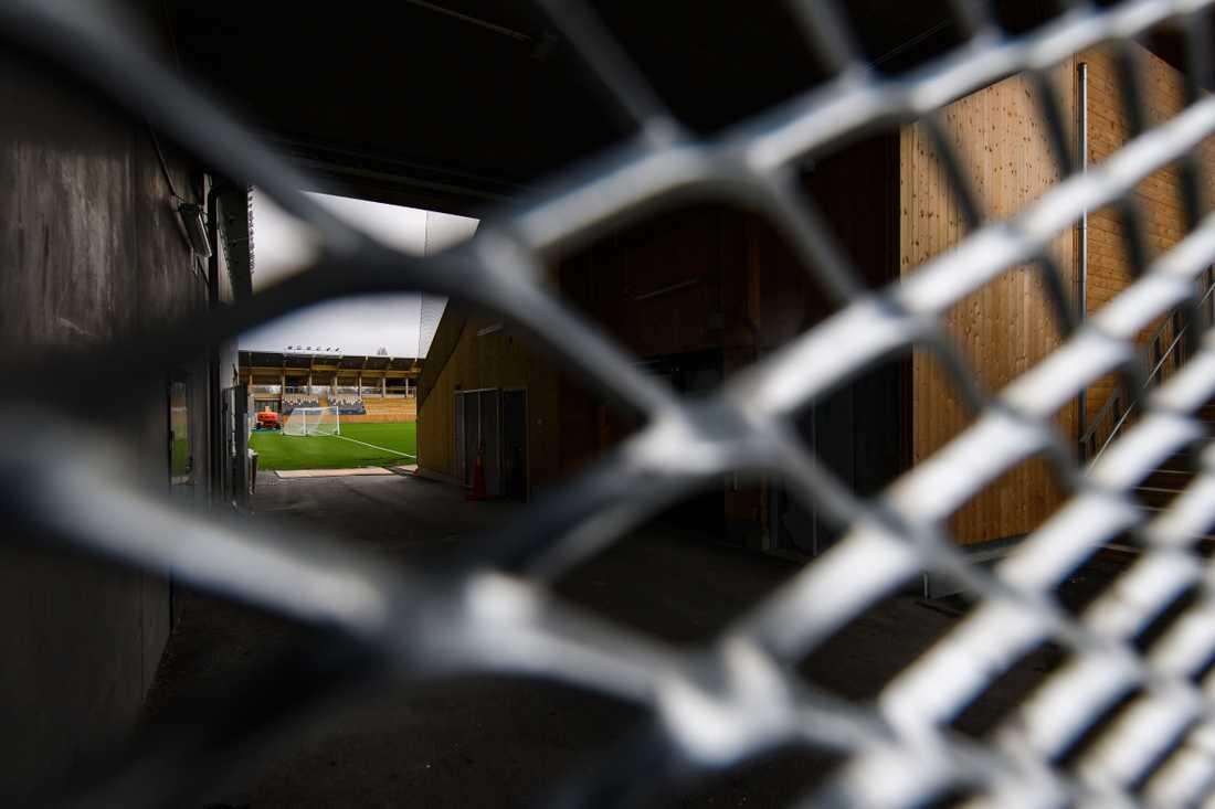 Fotbollen har varit nerstängd sen coronautbrottet.