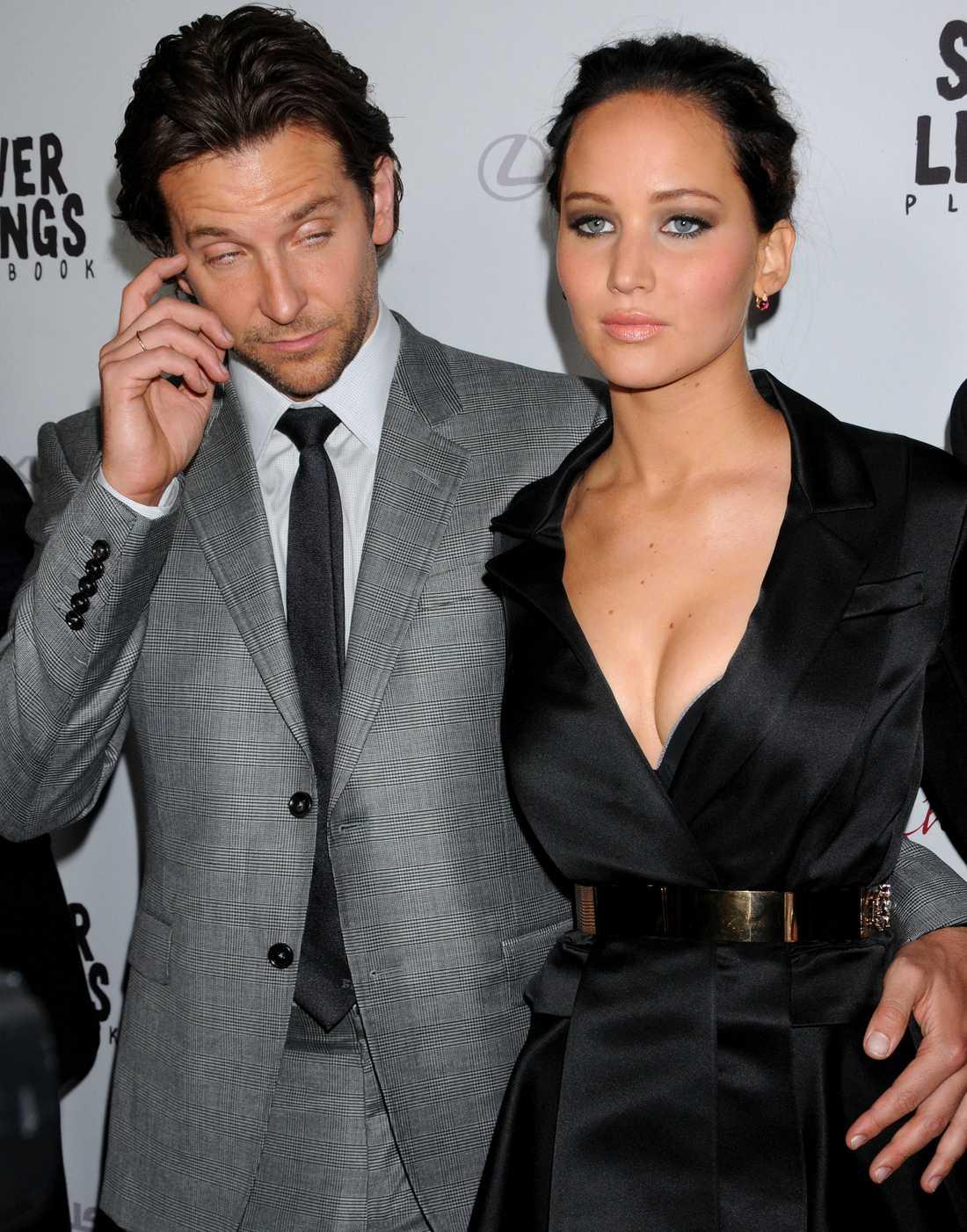 """Tillsammans med Bradley Cooper är Lawrence aktuell i """"Silver linings playbook""""."""