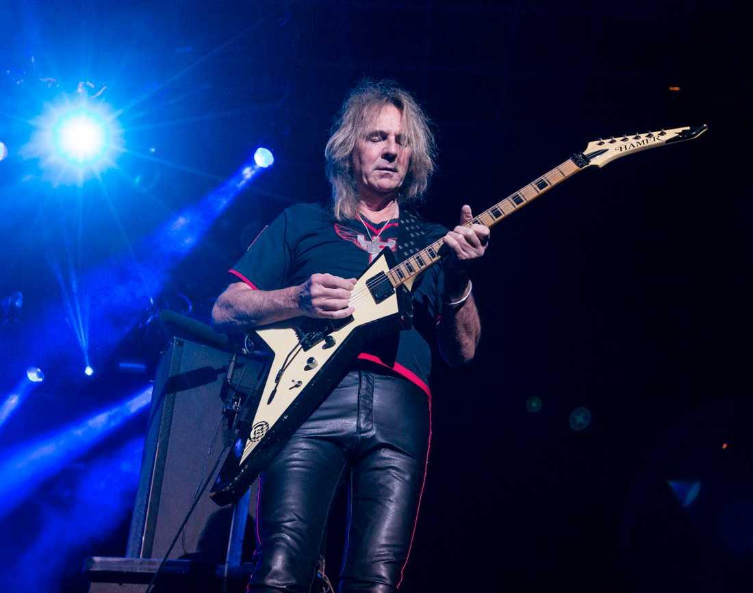 Glenn Tipton på scen med sitt Judas Priest i San Bernardino, Kalifornien, i oktober 2015.