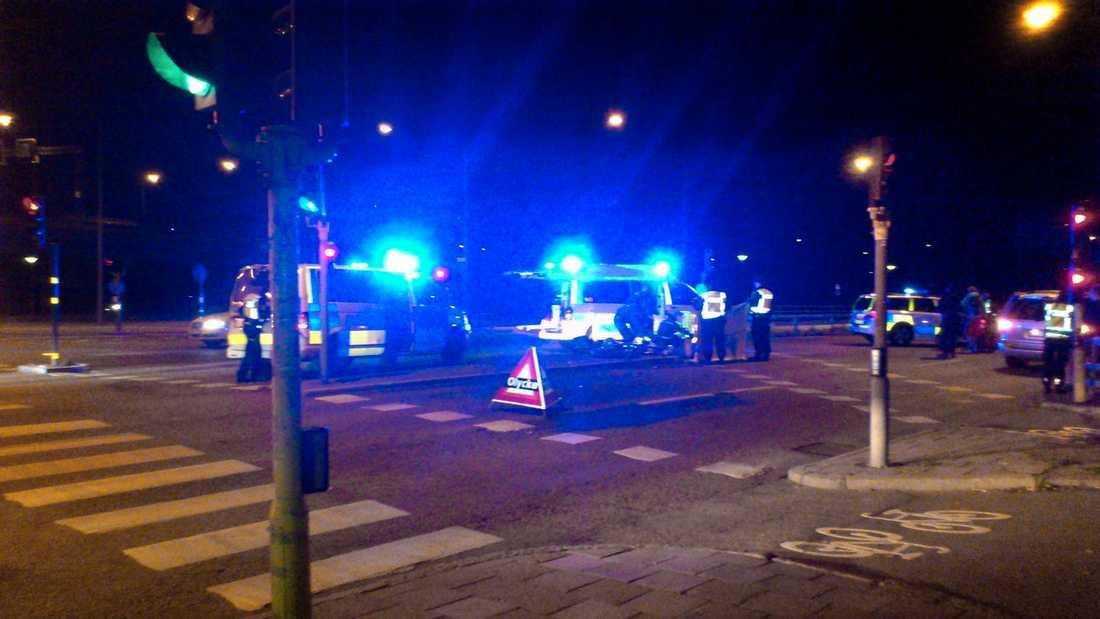 GICK INTE ATT RÄDDA Natten till i går dog en okänd man när han krockade med en polisbil i södra Stockholm. Tidigare i år dödades Joakim Jurell (bilden överst) och Christopher Andersson i olyckor där polisfordon var inblandade.