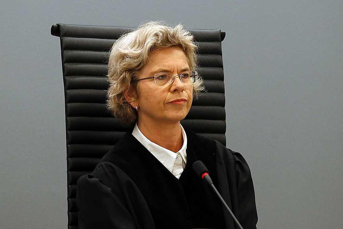 Domaren Wenche Elizabeth Arntzen avbröt snabbt Anders Behring Breivik när han som slutord bad om ursäkt till andra militanta nationalister för att han inte dödade fler människor.