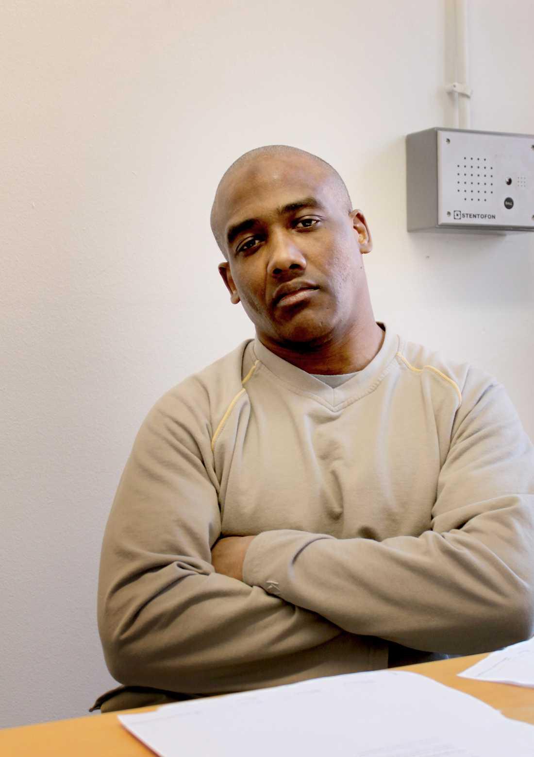 – Jag har inga rättigheter, sa Kader Bencheref när Aftonbladet träffade honom i fängelset för närmare fem år sedan.