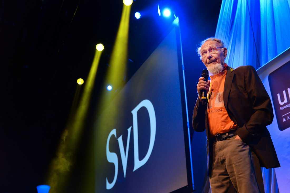 Ikea:s grundare Ingvar Kamprad tar emot priset som Alla tiders entreprenör vid UF-galan i Stockholm  2014.
