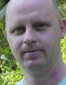 """""""Det gjorde inte det minsta ont"""", säger steriliserade Magnus Lundström, 36."""