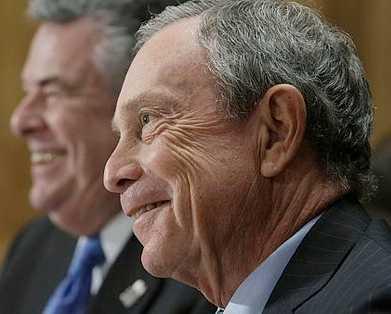 Michael Bloomberg, borgmästare i New York och grundare av medieföretaget Bloomberg, har en förmögenhet på 18 miljarder dollar, enligt Forbes.