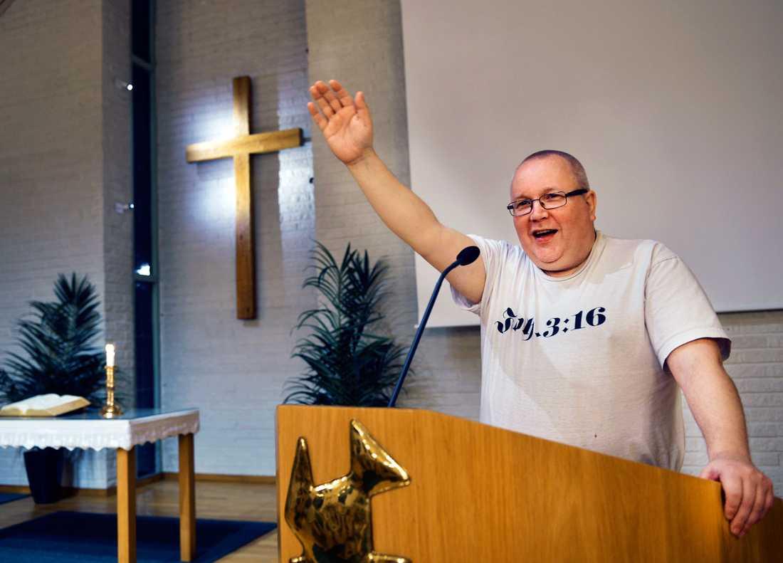 1990 dömdes Nisse Kummu till livstids fängelse, nu har han skolat om sig till pastor.