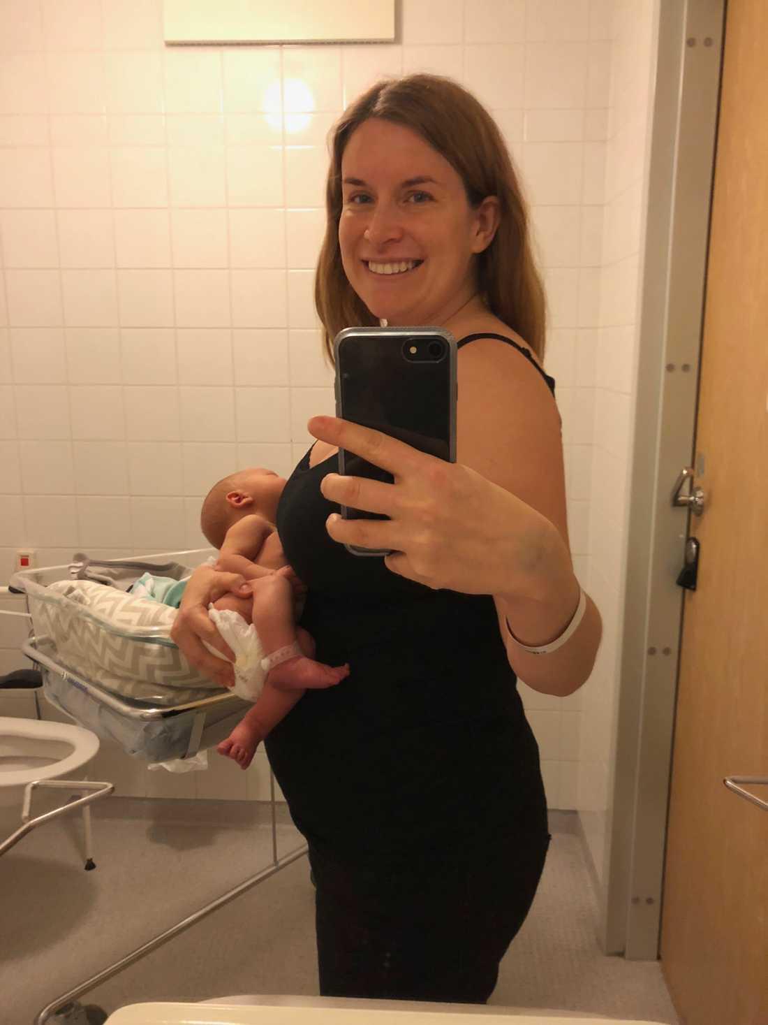 På väg hem från BB två dygn efter förlossningen.