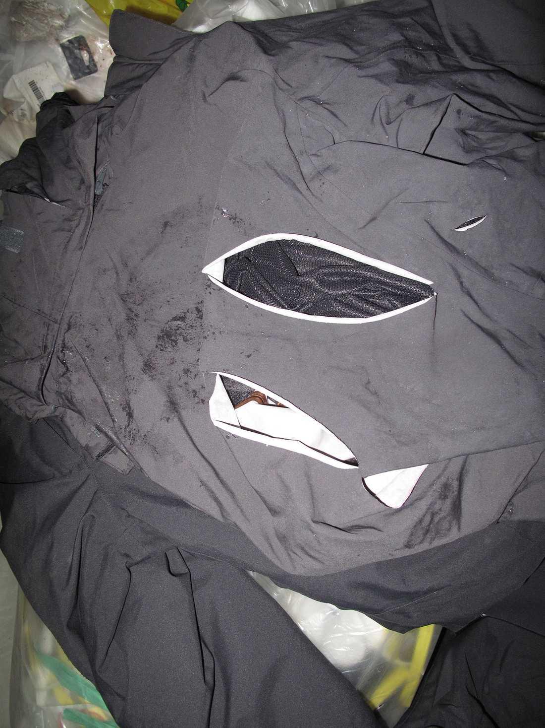 Byxor och jackor har skärmärken både fram och bak.