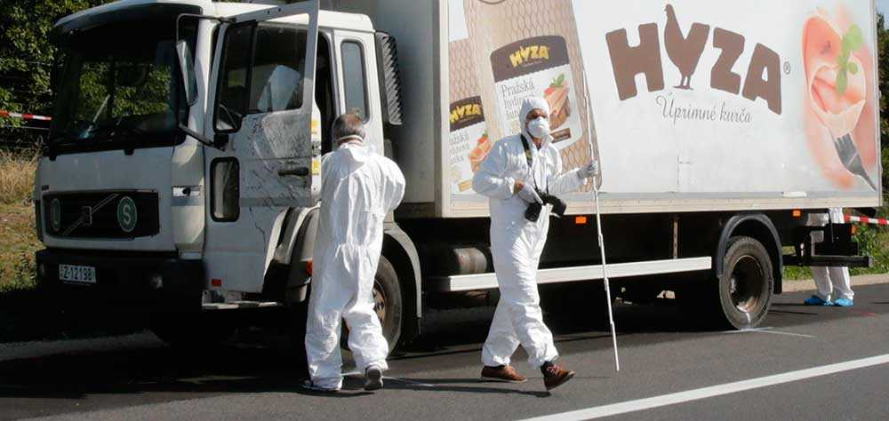 71 personer, varav fyra barn, hittades döda i en lastbil i Österrike den 27 augusti. De hade kvävts under flykten till Europa.