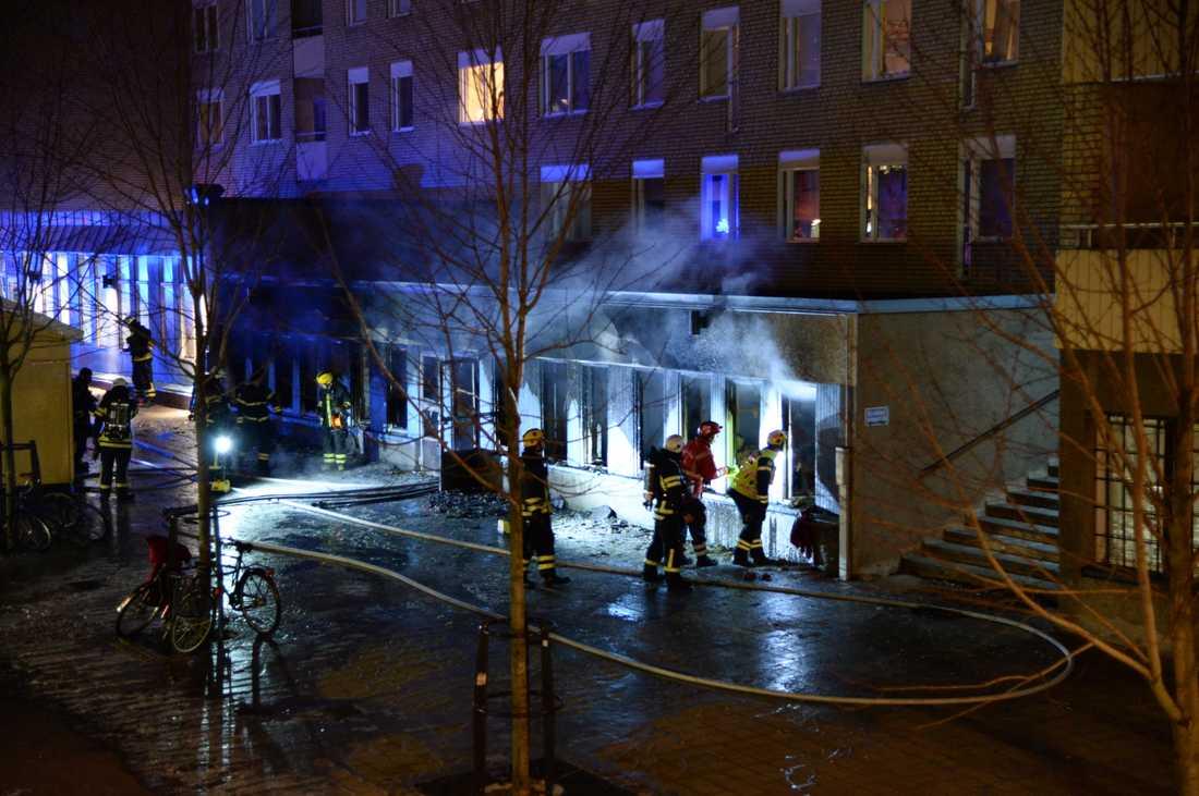 Moskén totalförstördes i branden.