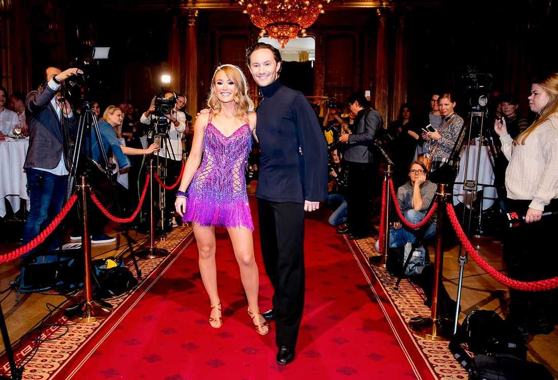 "Ellen Bergström dansar med Jonathan Näslund i ""Let's dance"" 2017."