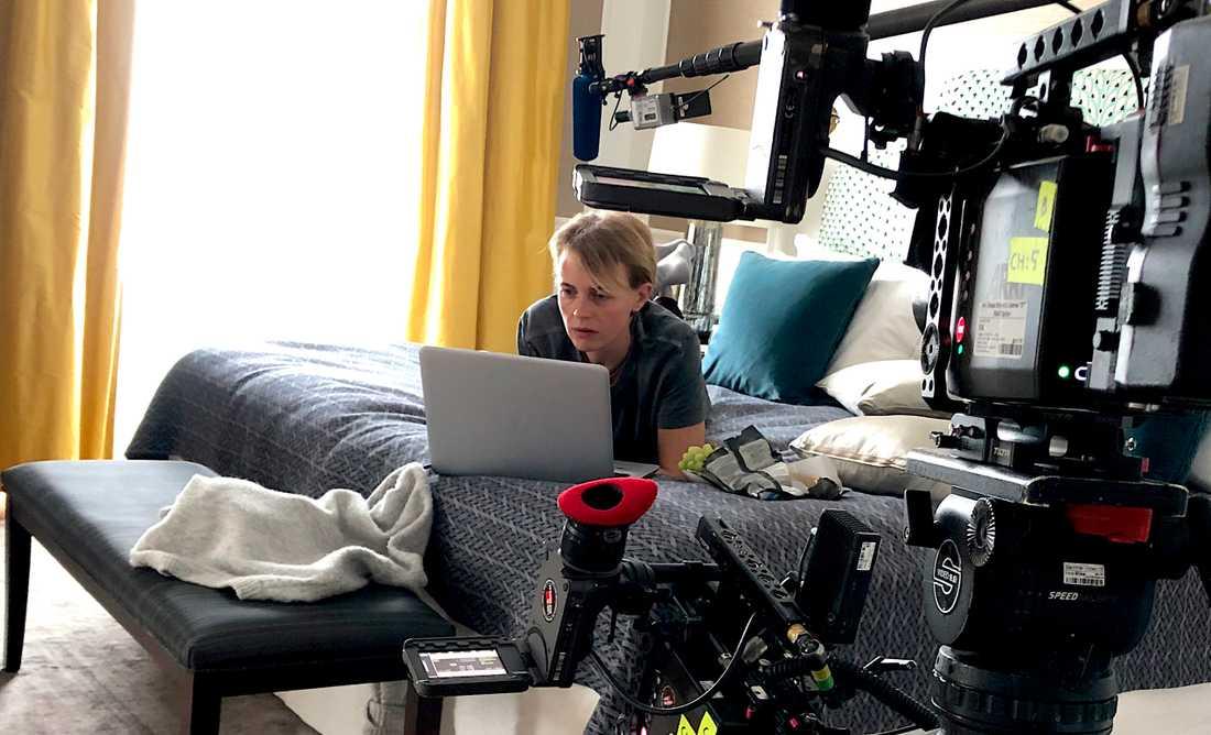 Josephine Bornebusch gör en ny dramaserie för Viaplay om livet i isolering. Pressbild.