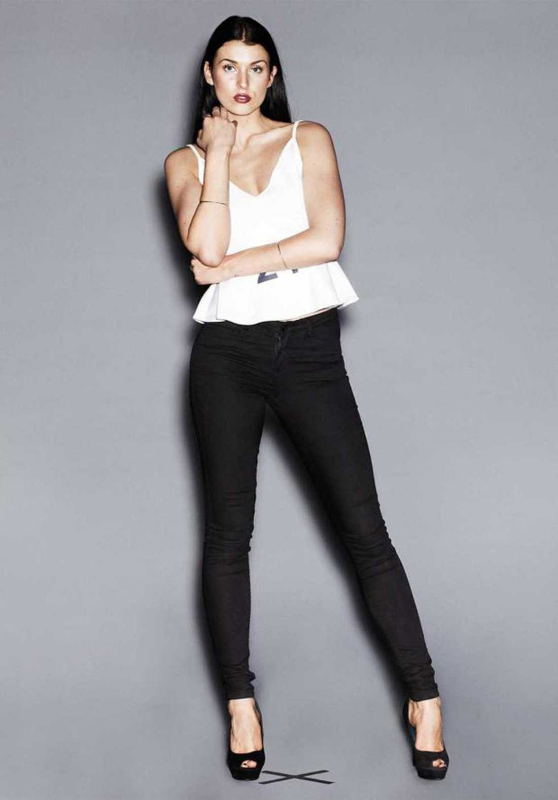 Malin Sahlén har varit deltagare i TV3:s Top model. Hon är bestört över uppgifterna om att hennes bild använts av Sunday Mirrors reporter.