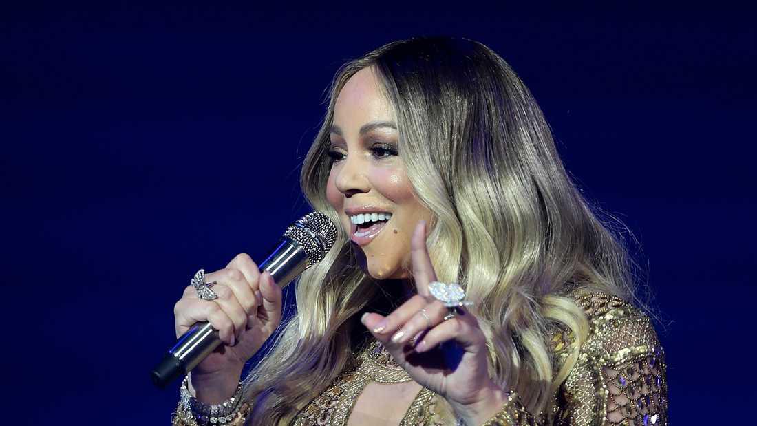 """Mariah Careys låtar The roof"""" och """"My all"""" handlar om romansen med Derek Jeter."""