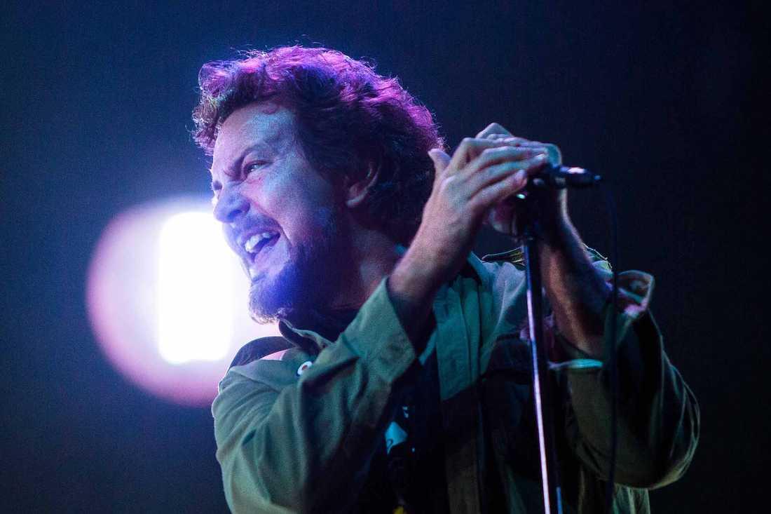 Eddie Vedder, sångare i Pearl Jam, under bandets i Friends Arena 2014.