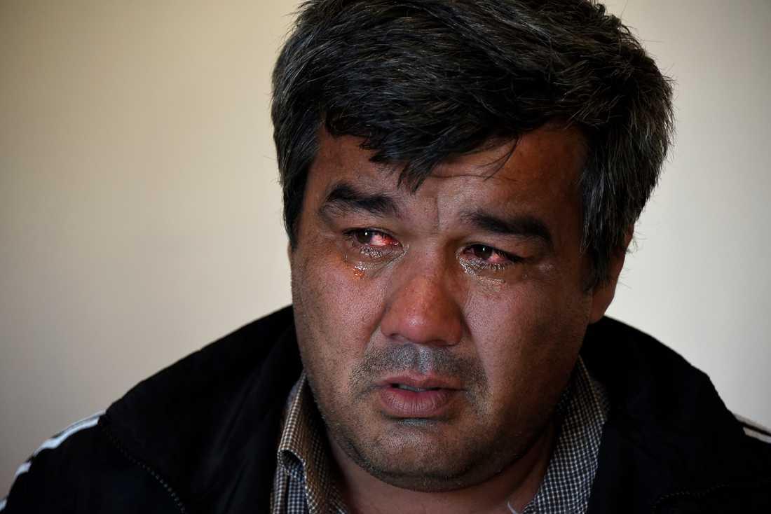 Olim Akilov i Samarkand i Uzbekistan visste inte att hans bror erkänt att han begått ett terrorbrott i Stockholm.