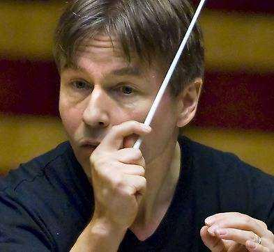 Esa-Pekka Salonen dirigerar.