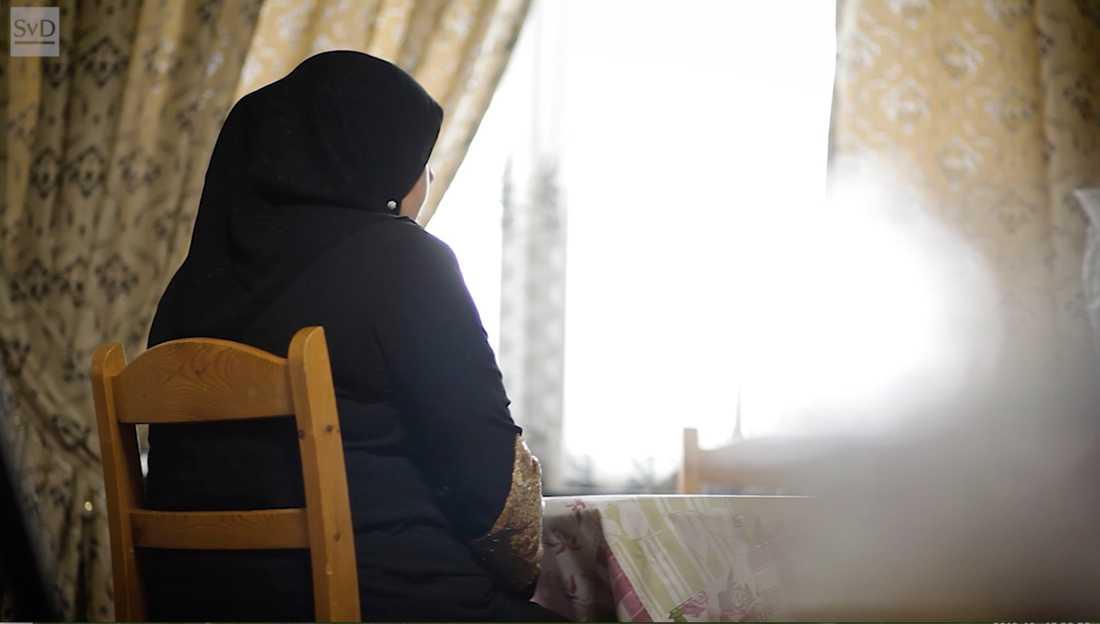Mamma Fatima berättar för Svenska Dagbladet om hur barnet skrek dag och natt de närmsta dagarna efter omskärelsen.