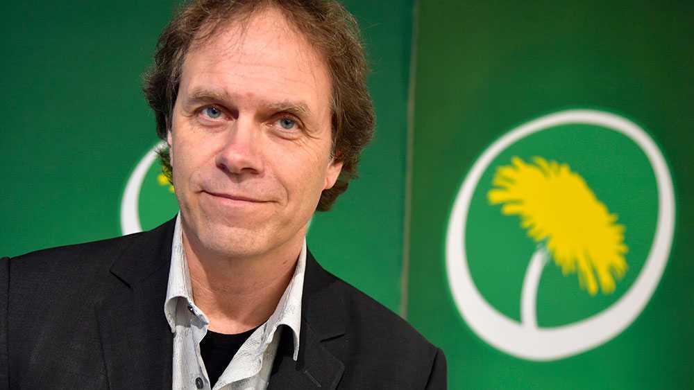 Jag står på en fast demokratisk grund och övertygelse, skriver den förre SVT-meteorologen Pär Holmgren som nu är kandidat till EU-parlamentet (MP)