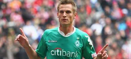 Markus Rosenberg gjorde 1-0 och 5-0 när Werder Bremen körde över Bayern München.