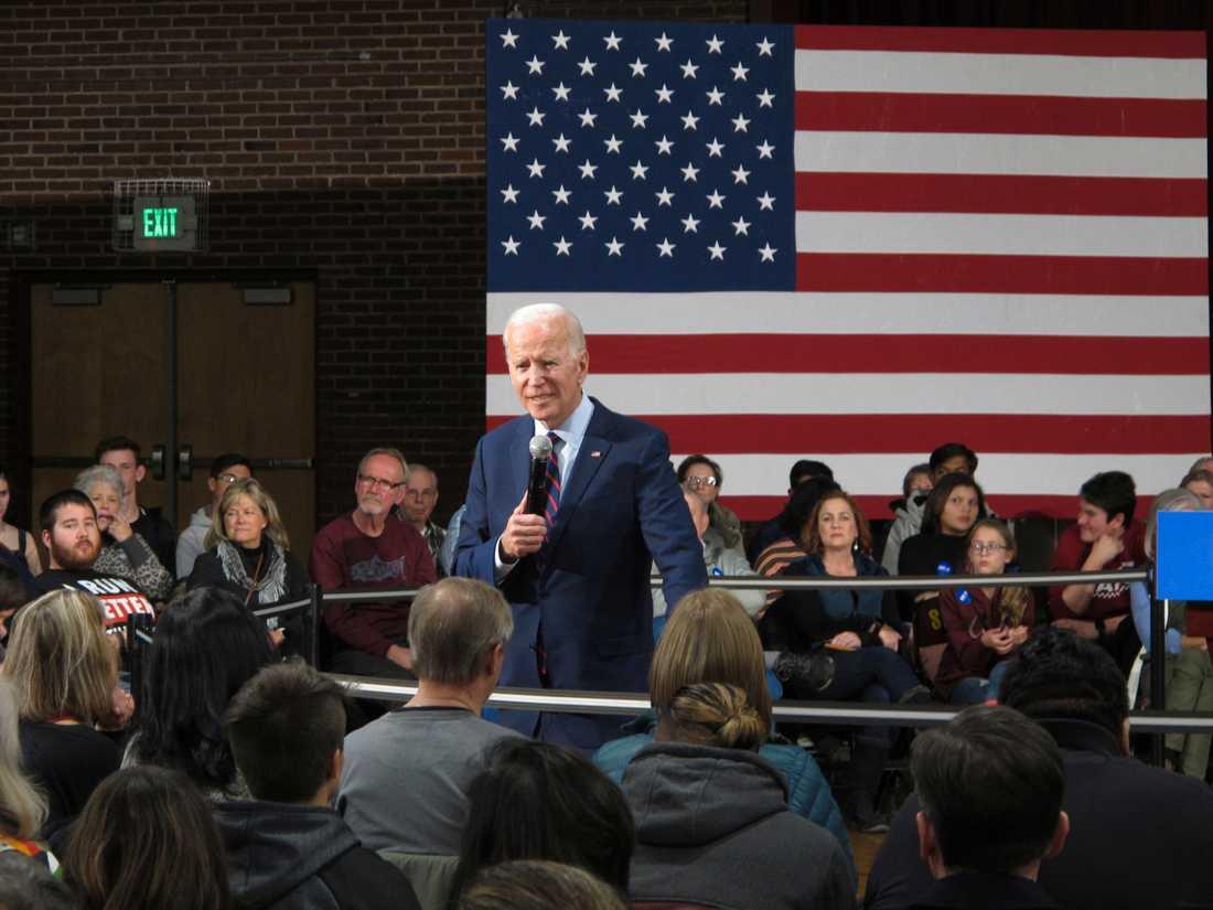 Presidentaspiranten och förre vicepresidenten Joe Biden håller kampanjmöte på en skola i Sparks i Nevada.