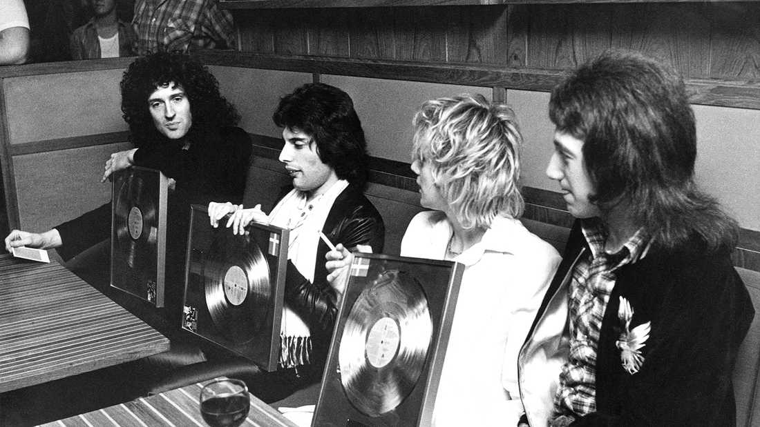Queen 1977. Brian May, Freddie Mercury, Roger Taylor och John Deacon.