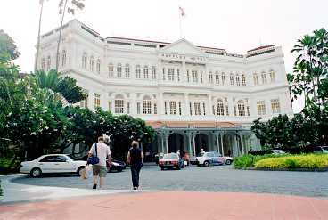 Singaporeturistens måste - lyxhotellet Raffles.