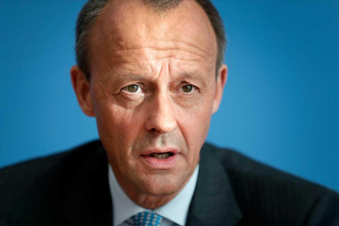 Friedrich Merz ses generellt som mer konservativ än Merkel och Kramp-Karrenbauer.