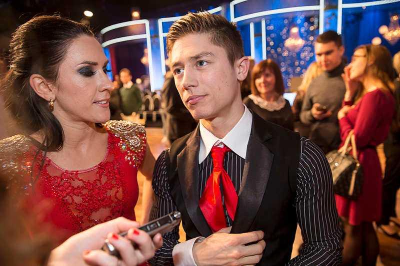 LÄMNAR DANSGOLVET Alexander Hermansson och danspartnern Jeanette Carlsson röstades ut av tv-tittarna i går.