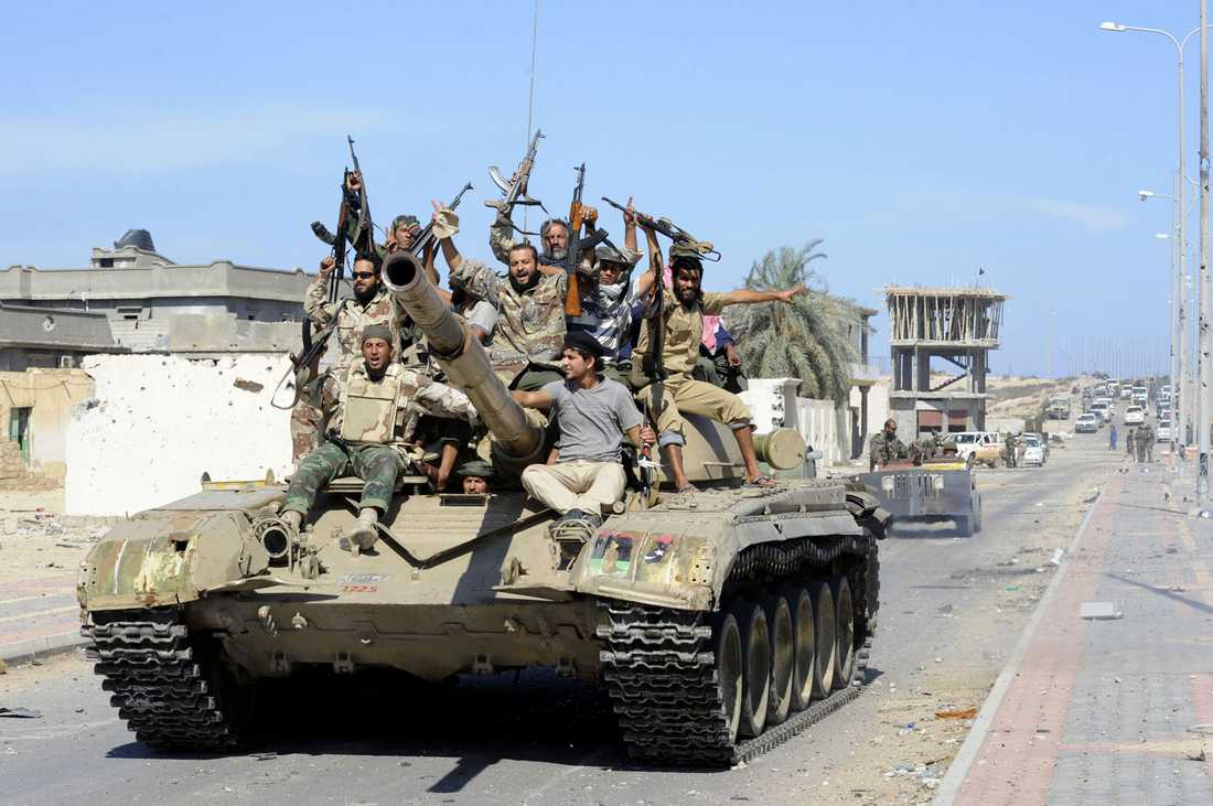 NTC-soldater firar i Sirte.