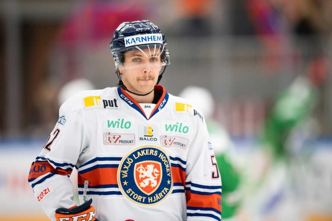Växjös förre guldback Arvid Lundberg på gång in i Skellefteå.