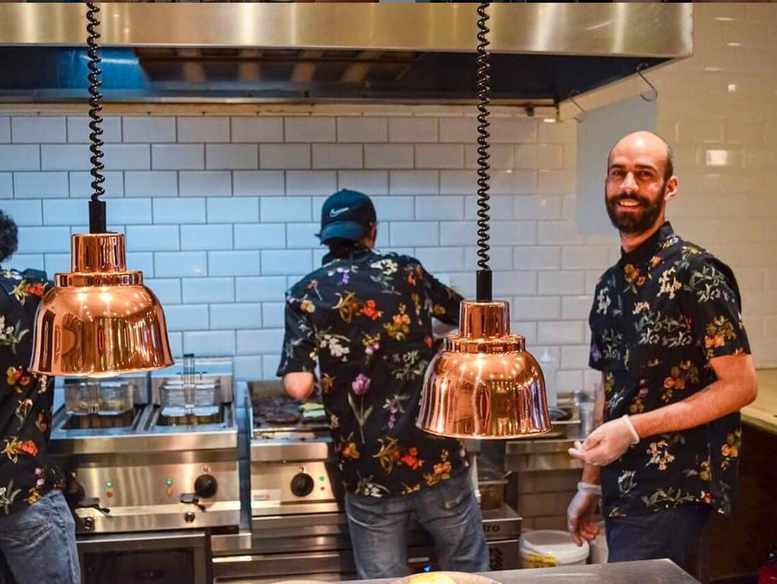 Babak Karimi är en av dem som öppnat upp en restaurang i Malmö i coronatider.
