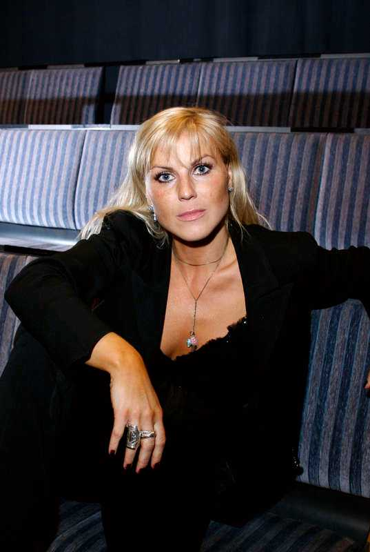 Ainbusk-sångerskan Josefin Nilsson.
