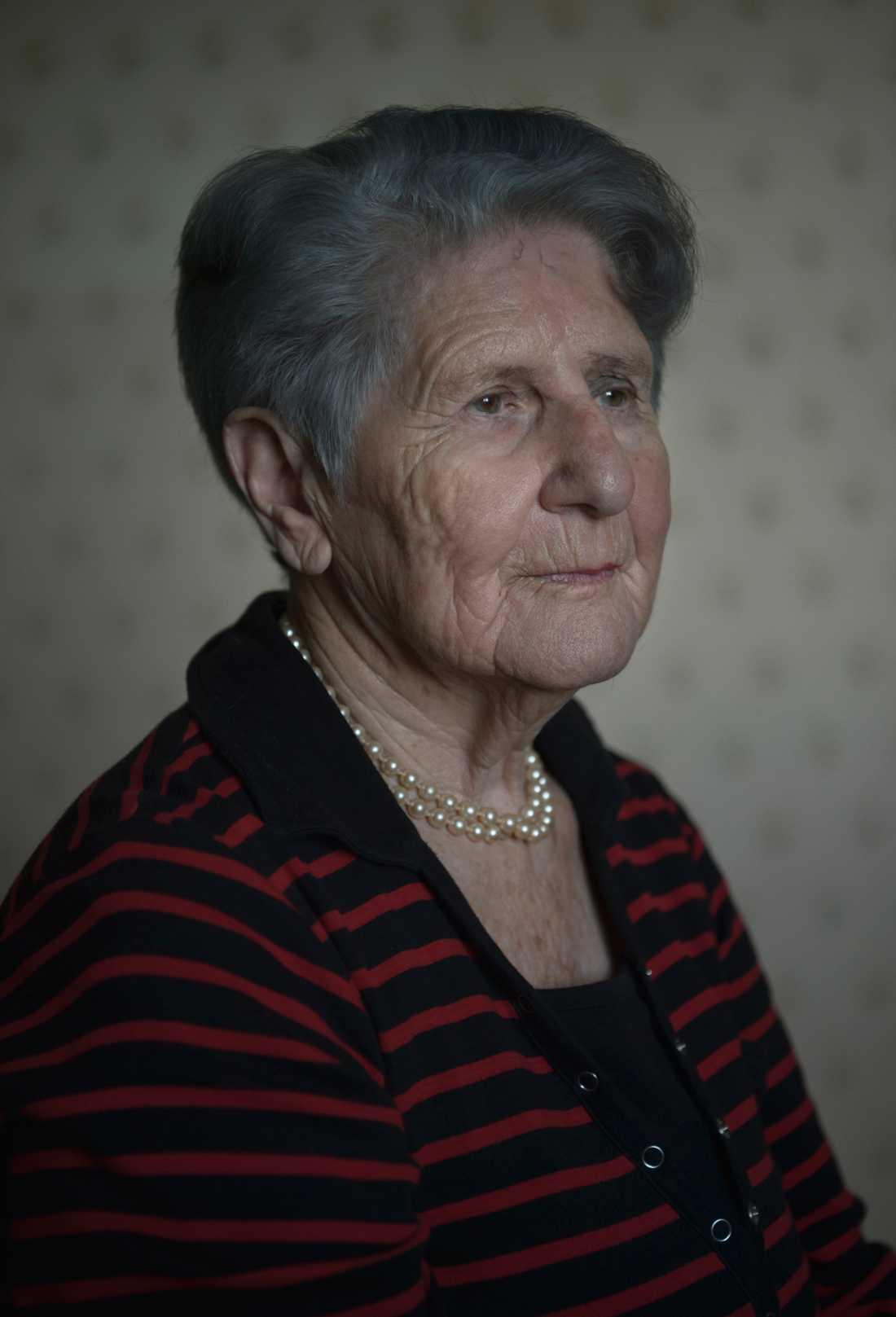 Cyla Trus, 2017 när hennes barnbarn Helena Trus intervjuade henne om Förintelsen för Aftonbladet TV. I dag, den 27 januari, är det Förintelsens minnesdag.