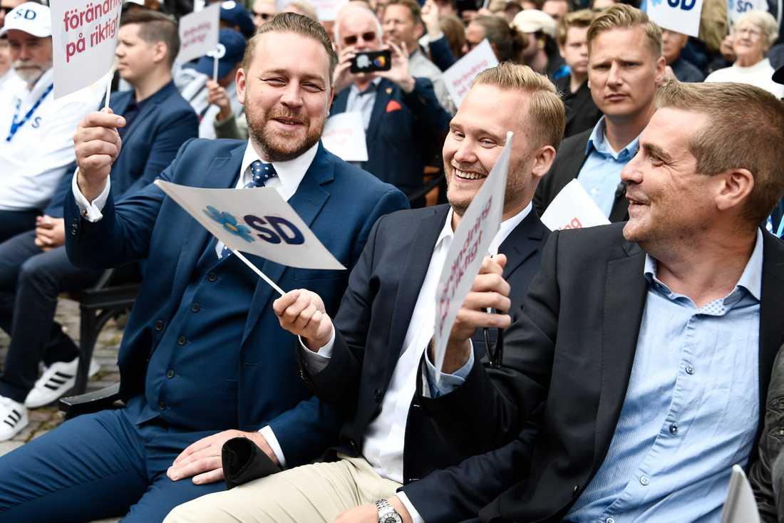 Bland publiken fanns partivännerna Mattias Karlsson och Henrik Vinge.