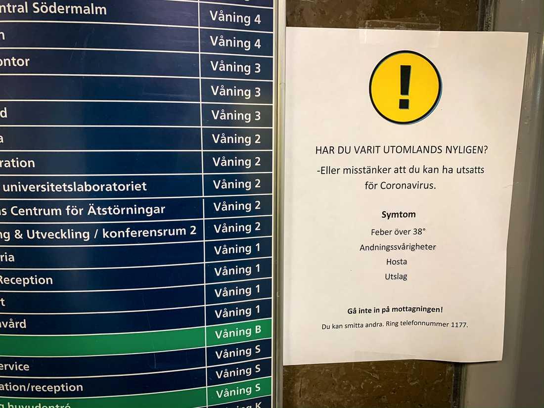 Fler arbetsplatser varnar för coronaviruset sars-cov-2, här Maria sjukhus på Södermalm i Stockholm.