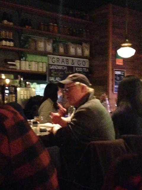 FESTADE I ATLANTAPhilip Seymour Hoffman fångas på bild när han dricker i en bar tre dagar innan överdosen.