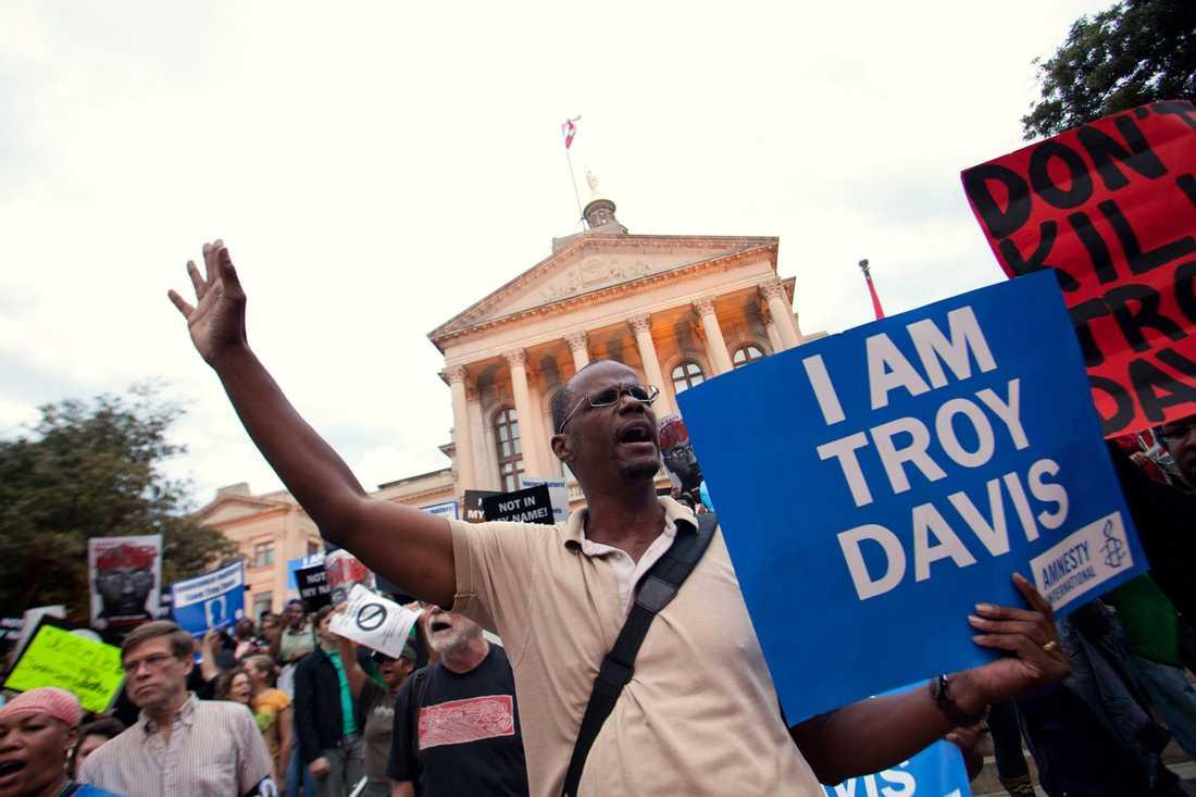 Kampanjen I Am Troy startades av medborgarrättsrörelsen NAACP, med syfte att rädda Troy Davis liv.