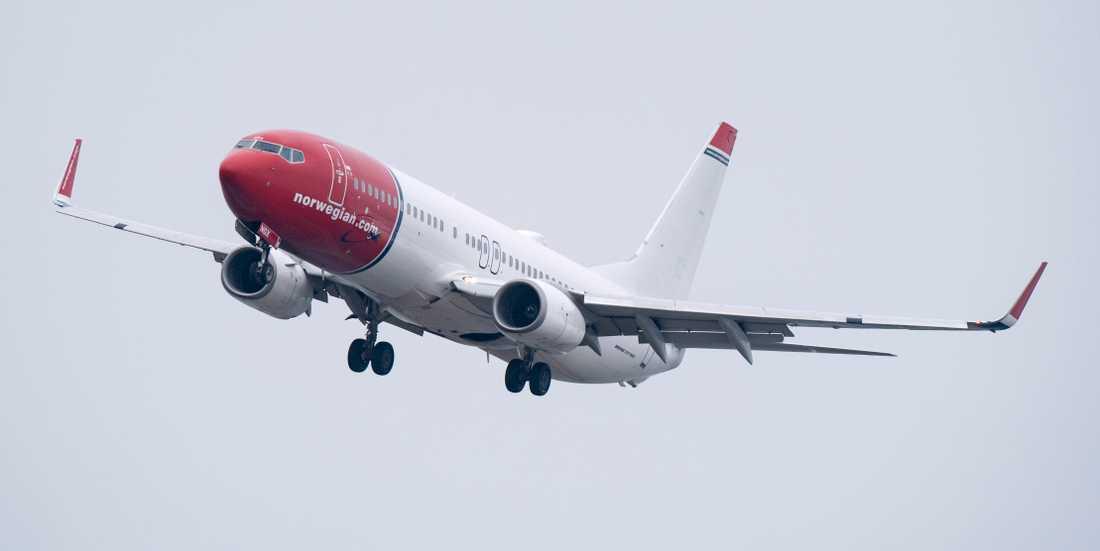 Flygbolaget Norwegian har skärpt sitt regelverk för hur de anställda ska se ut på jobbet.