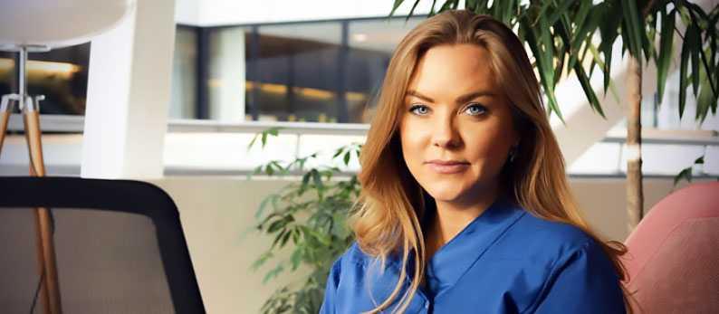 """""""För en öppen dialog om ekonomin i ditt förhållande"""", råder Emma Lindgren på Svea Ekonomi."""