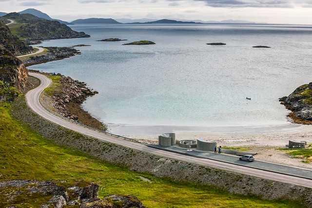 Längs med Norges turistvägar kan besökarna hitta vackra toaletter.